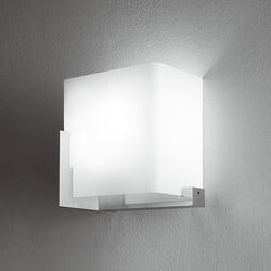Manhattan P24 Wall Light