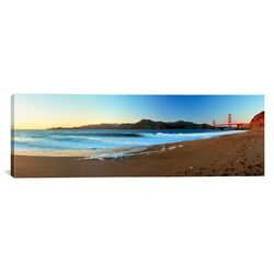 Panoramic Footprints on the Beach, Golden Gate Bridge, San Francisco, California Photographic ...