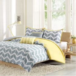 Nadia 4 Piece Comforter Set