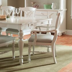 Mirren Harbor Dining Table