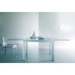 Axel Dining Table