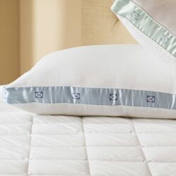 300 Thread Count Firm Density Pillow