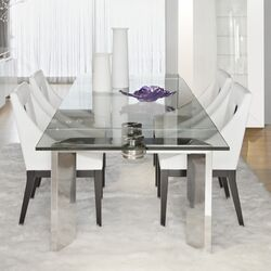 Mo Dining Table