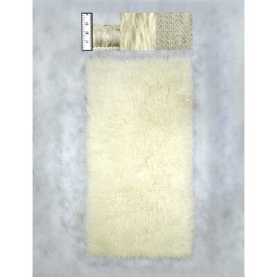 Hera Flokati Heavy Natural White Solid Rug Rug Size: Rectangle 2 x 4