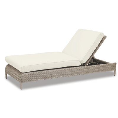 Manhattan Chaise Lounge with Cushion