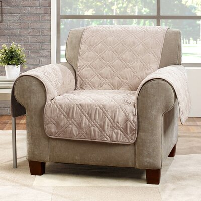 Deluxe Arm Chair Slipcover Color: Cream