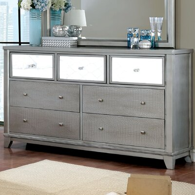 Ariadne Contemporary 7 Drawer Dresser Color: Silver