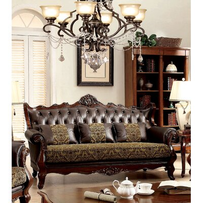 Hankins Traditional Chesterfield Sofa