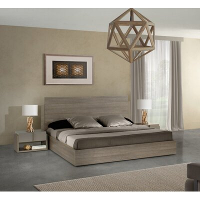 Platform Customizable Bedroom Set Size: Queen