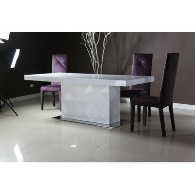 Versus Eva Dining Table