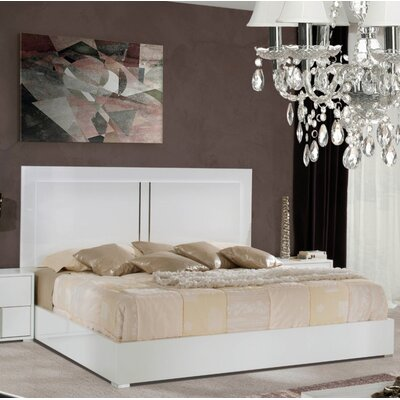 Dority Platform Bed Size: Queen