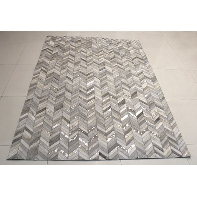 Hide Herring Grey / Silver Area Rug