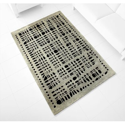 Hand-Tufted Gray Area Rug Rug Size: 5 x 77