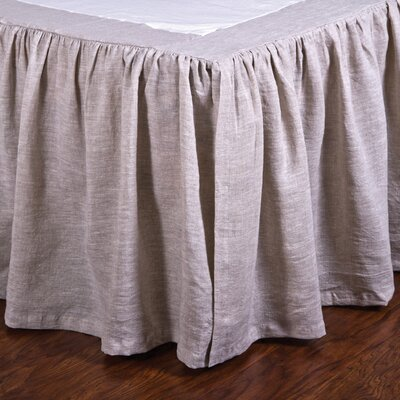 Gathered Linen Bed Skirt Size: King, Color: Flax