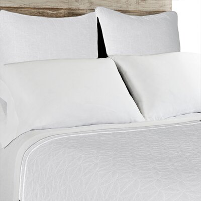 Oslo Coverlet Size: King, Color: White