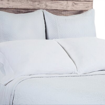 Marseille Coverlet Size: King, Color: White