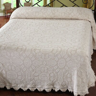 Colonial Rose Matelasse Bedspread Color: White, Size: Queen