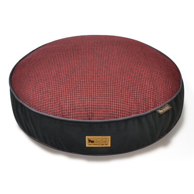 Houndstooth Dog Bed Size: Small (27.5 L x 27.5 W), Color: Red/Black
