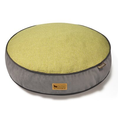 Houndstooth Dog Bed Size: Medium (36 L x 36 W), Color: Yellow/Brown
