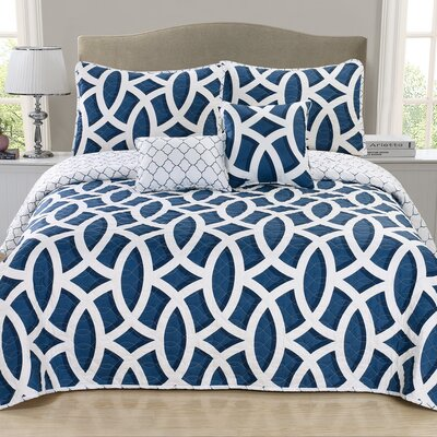 Carmine 3 Piece Quilt Set Size: Queen