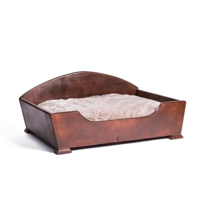 Woodcourt Dog Sofa Size: Medium (26 L x 20 W)