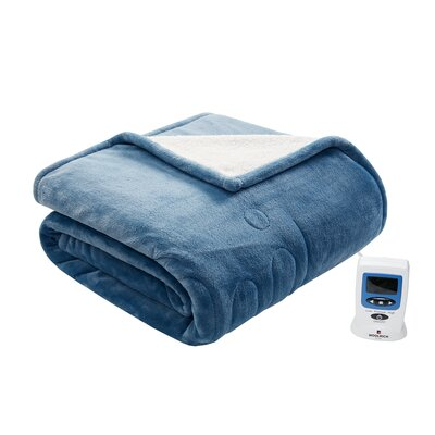 Heated Plush to Berber Blanket Size: Queen, Color: Indigo