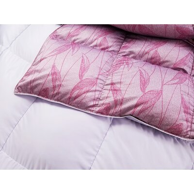 Leaf Down Comforter Size: Queen, Fill Warmth: Midweight