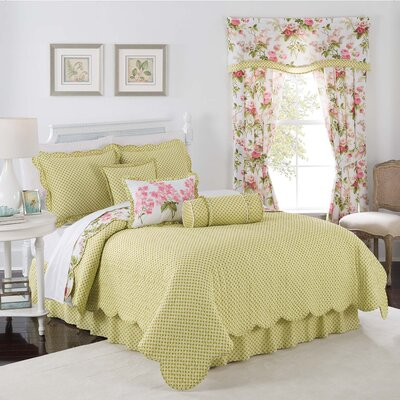 Emmas Garden Reversible Quilt Set Size: Twin