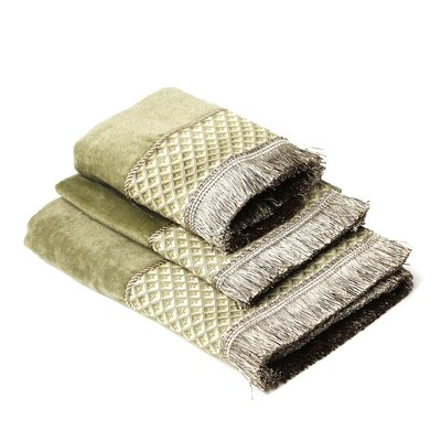 Amore Decorative 3 Piece Towel Set