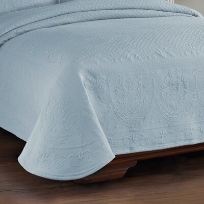 King Charles Matelasse Coverlet Size: Queen, Color: Blue