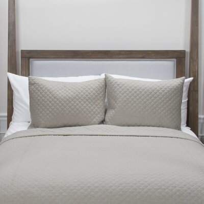 Donny Osmond Home Breeze on By Quilt Size: King, Color: Taupe