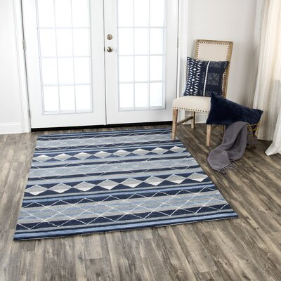 Broadlands Hand-Tufted Wool Blue Area Rug Rug Size: 5 x 7