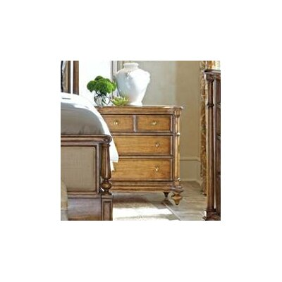 Arrondissement 3 Drawer Bachelors Chest