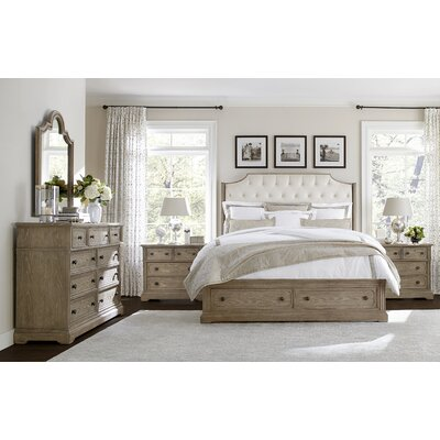 Wethersfield Estate Upholstered Configurable Bedroom Set