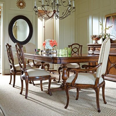 Arrondissement Famille Pedestal Dining Table