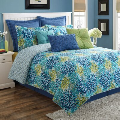 Calypso Reversible Quilt Set Size: Full/Queen