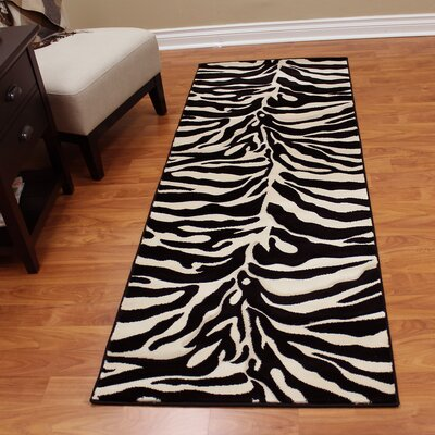Fowler Black/White Area Rug