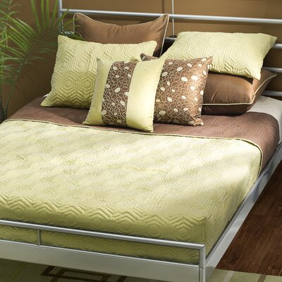 Damzel Reversible Quilt Set Size: Queen