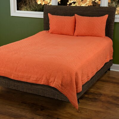 Corinna  Matelasse Quilt Color: Orange, Size: Twin