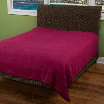 Corinna  Matelasse Quilt Size: King, Color: Raspberry