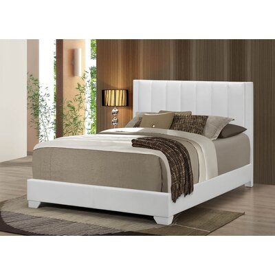 Moderno Bed Color: White