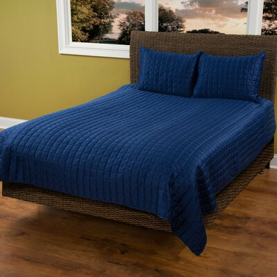 3 Piece Quilt Set Size: King, Color: Navy