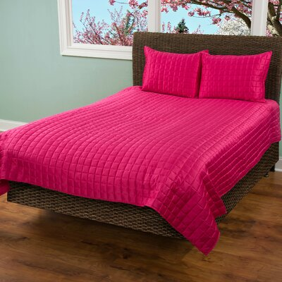 3 Piece Quilt Set Size: King, Color: Hot Pink