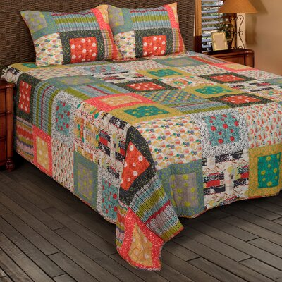 Damica  Quilt Size: King