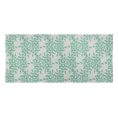 Palmyra Beach Towel Color: Green