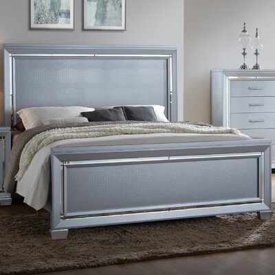 Soila Bed Size: King, Color: Silver