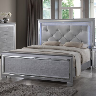 Reena Bed Size: King