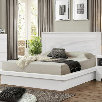Joselyn Bed Size: King, Color: White