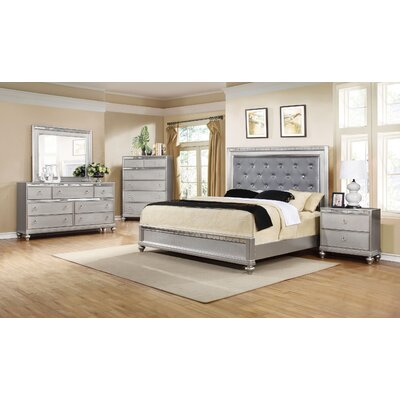 Bremerton Platform Customizable Bedroom Set