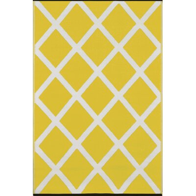 Lightweight Reversible Mimosa/Cream Indoor/Outdoor Area Rug Rug Size: 5 x 8
